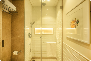 Bathroom in Superior Deluxe Balcony Sea Facing Room Hotel Harbour View Mumbai